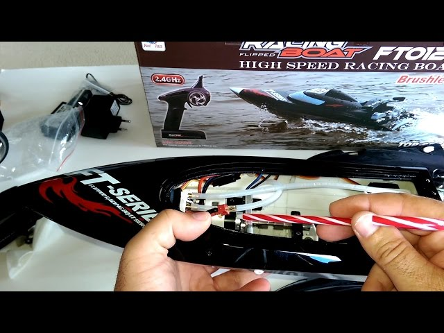 FEI LUN FT012 High Speed Brushless Racing Boat Review - [Mods, Running Video, Pros & Cons]