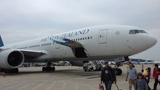 preview picture of video 'Air New Zealand B777-200ER approach landing @ PVG Shanghai-Pudong Airport'