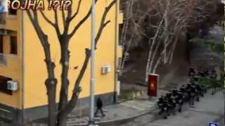 Policijata I Specijalcite Spremni Za VOJNA So Opozicijata Pred Sedisteto Na VMRODPMNEflv