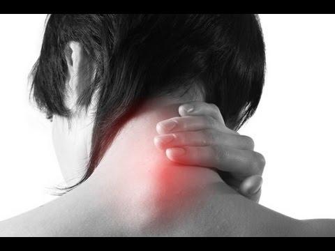 Если болит живот отдает на спину