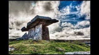 Planéta Dolmenov, Technika zmäkčovania kameňa, Staroveké megalitické dolmeny, Zakázaná archeológia