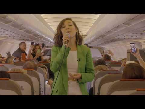La intérprete de la canción de Iberia 'Volando' triunfa en los Grammy