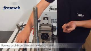 How can we change the clutch in an ARNOLD MAT Mechanical vice?