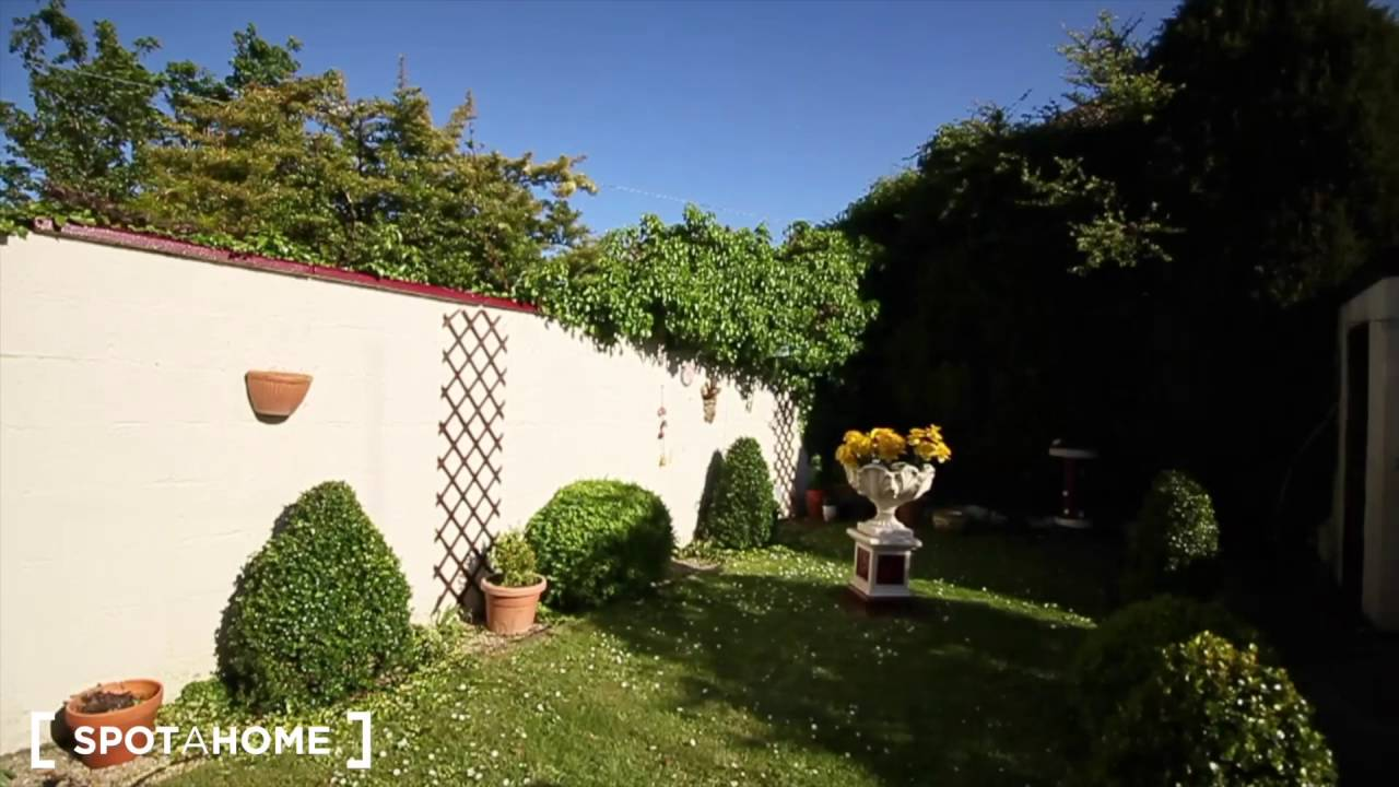 Cosy rooms in beautiful 3-bedroom house in Donaghmede, close to the sea