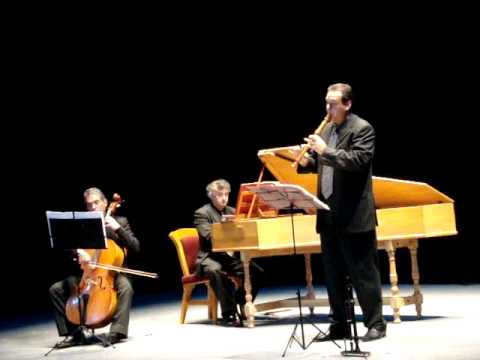 "Bach: ""Siciliano""; Sonata in E flat major BWV 1031; Moisés Sánchez Ross"