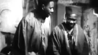 preview picture of video 'قصبة الجزائر كما قدّمها جون كرومويل في فيلم الجزائر سنة 1938 La Kasbah en Algerie'