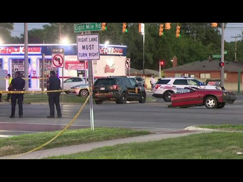 Ford Mustang cut in half in Southfield crash