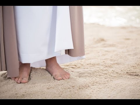 Do the accounts of Jesus' life contradict themselves? Moments that Matter, Christian Questions