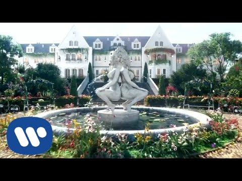 Cardi B – WAP (feat. Megan Thee Stallion) [Official Video]