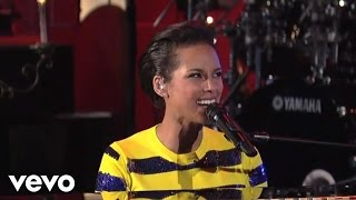 Alicia Keys - New Day (Live on Letterman)