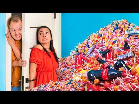 11 तरीके अपने माता - पिता से कैंडीज छुपाने के।