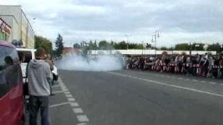 preview picture of video 'Ostrołęka zakończenie sezonu 2009 - stunt'