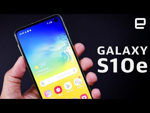 Samsung Galaxy S10e Hands-On: Small, cute, and crazy-powerful