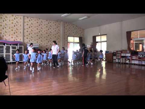 芽生え幼稚園 リトミック教室 ゆり組 スキップの練習