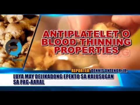 Isang hanay ng mga pagsasanay sa hall para sa slimming babae