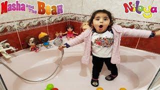 Niloya Mete Banyo Günü Niloya ve Mete Çamur Oldu Maşa, Heidi, İlkim Banyo Yaptırıyor Eğlenceli Video