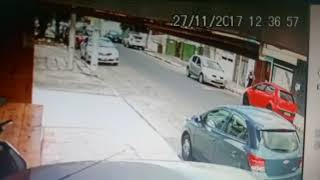 Câmara flagra assalto no bairro Santa Mônica
