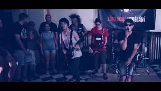 Video Základní vzdělání - První koncert