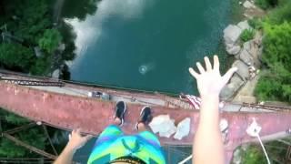 Безумный прыжок с моста