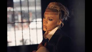 P!nk - I Am Here (Official Instrumental)