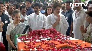 अंतिम दर्शन के लिए Congress मुख्यालय में रखा गया Sheila Dikshit का शव