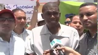 preview picture of video 'Jóvenes protestan por composición irregular de Consejos Municipales de la Juventud'