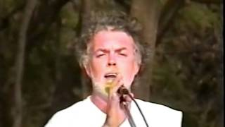 Jason Singing Palauea Beach on Maui, Hawaii  with LONO & Ray in year 2000.