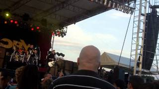 Theory Of A Deadman - Hating Hollywood (Live in Fond Du Lac 2011)