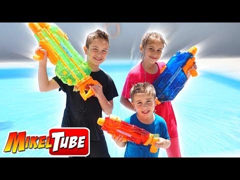 WARS BANZAI Jugamos con Pistolas de Agua
