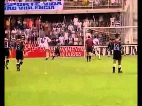 Luis Roberto narrando o ''Gol de Placa'' de Marcelinho Carioca contra o Santos em 1996