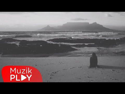 Emre Karaağaç - Yabancı (Official Lyric Video) Sözleri