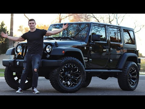 """MY JEEP- 35"""" Toyo RT's on 20"""" Fuel Assault Wheels"""