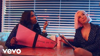 Iggy Azalea   F**k It Up (ft. Kash Doll) | Clean Video