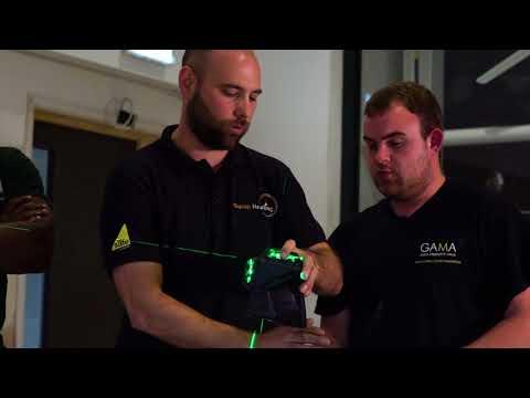 16 professionnels testent le niveau laser multilignes X3G-360° vert STANLEY FATMAX