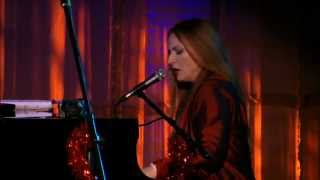 """Judith Owen Live - """"Santa Claus is Coming to Town"""""""