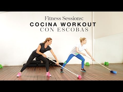 Fitness Sessions: cocina workout con escobas | The Beauty Effect