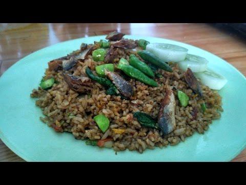 Video Cara Membuat Nasi Goreng Ikan Asin Pete pedas Spesial Lezat Dan Mantap
