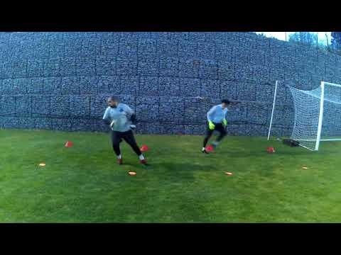 Deslocamento e defesa lateral-Treino de guarda-redes I Treinamento de goleiros I Goalkeeper training