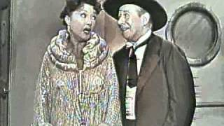 "Ethel Merman and Bert Lahr Sing ""Friendship"""