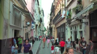 preview picture of video 'Cuban life in the streets of Havana Vieja'