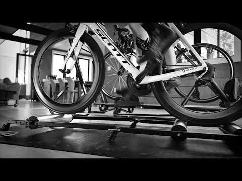 Aluminum Rollers Trainer Action Shot