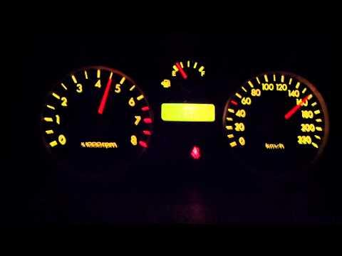 Die Preise für das Benzin der Auftankung peterburg