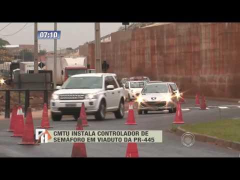 CMTU instala controlador de semáforo em viaduto da PR-445