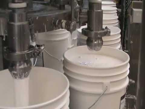 Máy chiết rót đóng nắp thùng nước sơn (Cơ khí CIE)