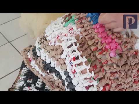 Con bolsas del súper, tejen colchonetas en Hermosillo para enviar a damnificados del sismo en México