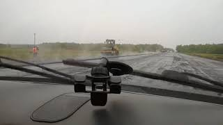 Петропавловск. Укладка асфальта в дождь