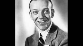 Fred Astaire - A Foggy Day (1937)