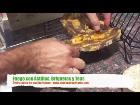 Barbacoa con astillas, briquetas y teas