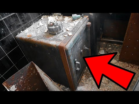 FOUND A LOCKED SAFE AT ABANDONED AEROSPACE FACTORY