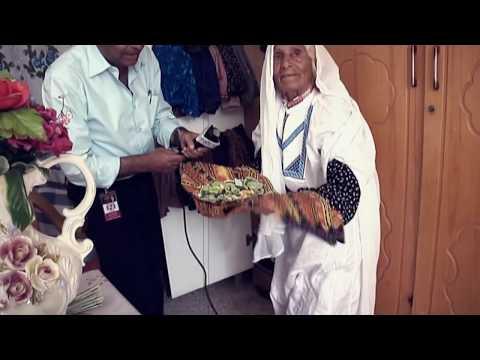 الحجة أم محمد  تحتفظ بجهاز عرسها من 85 سنة